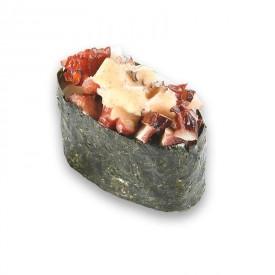 Суши Гунканы «с Острым осьминогом»