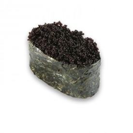 Суши Гунканы «с Черной икрой летучей рыбы»
